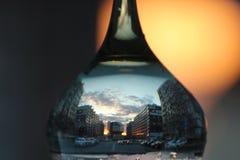 Reflexão no vidro por do sol, arquitetura fotografia de stock
