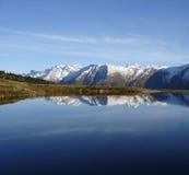 Reflexão Switzerland da montanha fotos de stock royalty free