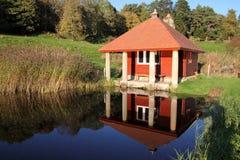 Reflexão velha da casa de campo Imagens de Stock Royalty Free
