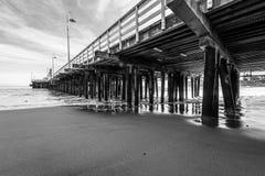 Reflexões ao longo de Santa Cruz Beach Boardwalk fotografia de stock