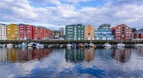 Reflexões da água municipal de Trondheim Fotos de Stock