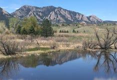 Reflexões da montanha fotografia de stock