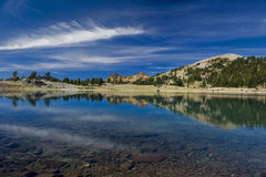 Reflexões da montanha no vulcão de Lassen Fotos de Stock