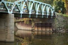 Reflexões da ponte imagens de stock royalty free