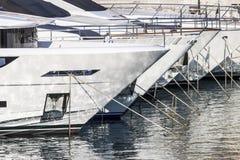 Reflexões de Wather no barco Imagens de Stock Royalty Free