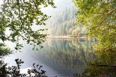 Reflexões do amanhecer foto de stock