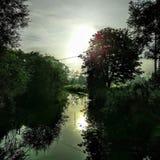 Reflexões do beira-rio Fotos de Stock