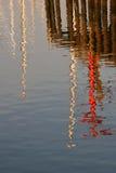 Reflexões do cais do porto imagens de stock royalty free