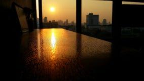Reflexões do por do sol imagem de stock