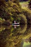 Reflexões em um lago foto de stock