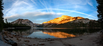 Reflexões em Yosemite NP Fotografia de Stock