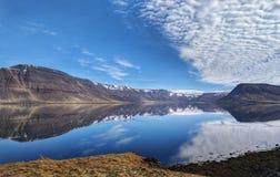 Reflexões islandêsas foto de stock
