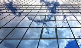 Reflexões na arquitetura de aço e de vidro Fotografia de Stock Royalty Free