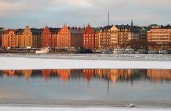 Reflexões no inverno. Imagens de Stock