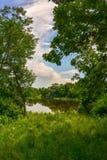 Reflexões no rio de Milwaukee fotografia de stock royalty free