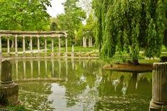 Reflexões de Monceau Fotografia de Stock Royalty Free