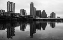 Reflexión Austin Downtown Monochrome Skyline Cityscape del lago town Fotos de archivo libres de regalías