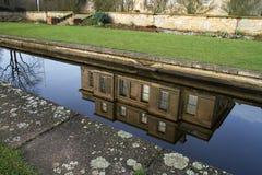 Reflexión casera majestuosa. Fotos de archivo libres de regalías