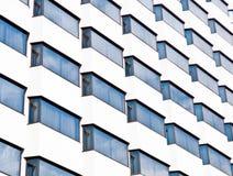 Reflexión de cristal del edificio Imagenes de archivo