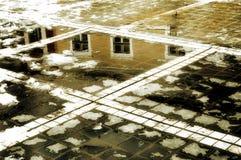 Reflexión de la casa Imagen de archivo