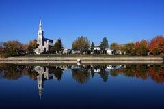 Reflexión de la iglesia Fotografía de archivo libre de regalías