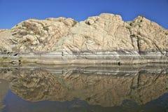 Reflexión de la roca del granito Fotografía de archivo