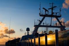 Reflexión de la salida del sol en un barco de cruceros Fotografía de archivo libre de regalías