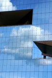 Reflexión de las nubes Imagenes de archivo