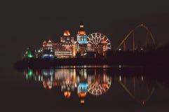 Reflexión de luces en el agua imagen de archivo libre de regalías