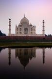 Reflexión de Taj Mahal fotografía de archivo libre de regalías