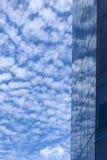 Reflexión del cielo y de la ventana Imagenes de archivo