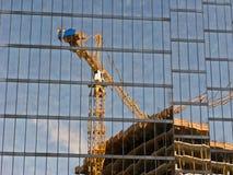 Reflexión del constru del edificio Foto de archivo