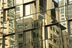 Reflexión del edificio Fotos de archivo libres de regalías