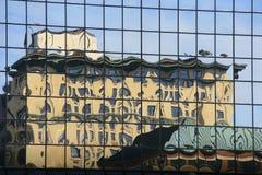 Reflexión del edificio Fotografía de archivo libre de regalías
