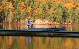 Reflexión del lago autumn Foto de archivo