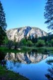 Reflexión del lago mirror de Yosemite Fotos de archivo