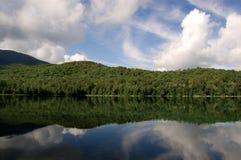 Reflexión del lago mountain Foto de archivo libre de regalías