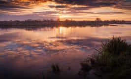 Reflexión del otoño en el agua Imagen de archivo