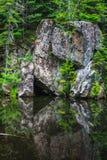 Reflexión del triángulo imagen de archivo