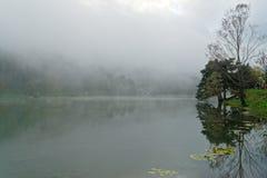 Reflexión en el lago fotografía de archivo