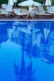 Reflexión en la piscina Fotos de archivo