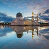 Reflexión flotante de la mezquita Fotos de archivo