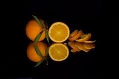 Reflexión de una naranja Foto de archivo libre de regalías