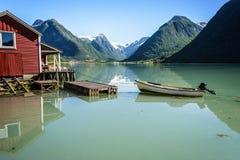 Reflexión del fiordo de Noruega Imagen de archivo libre de regalías