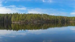 Reflexion auf dem See Lizenzfreie Stockbilder