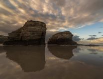 Reflexion auf dem Strand stockbilder