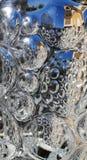 Reflexion auf Oberflächenglas des konvexen Polygons Riffled Glasbeschaffenheit Hintergrund lizenzfreies stockfoto
