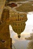 Reflexion av El Capitolio, havannacigarr, Kuba Arkivbilder