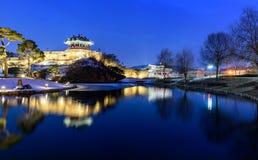 Reflexion av Suwon Hwaseong fortres i Suwon Royaltyfri Foto