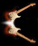 Reflexion der E-Gitarre im Wasser Lizenzfreie Stockbilder